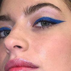 """2,513 Me gusta, 7 comentarios - @annesophiecosta en Instagram: """"〰 blue Wednesday #eyeliner. #makeup #beauty"""""""