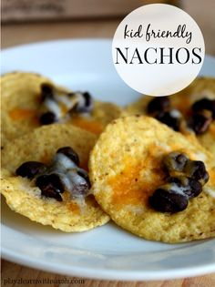 Dinner Recipe: Kid Friendly Nachos  - the perfect meal for those nights when you have little time and need something the kids will actually eat.