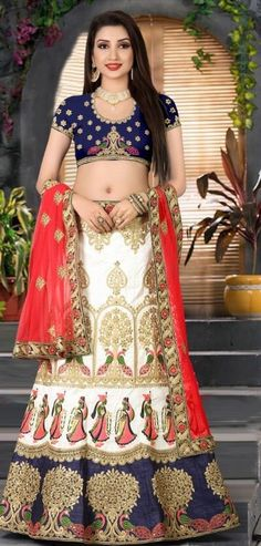 Everyone will admire you when you wear this clad to elegant affairs. Add grace and charm to your appearance in this beautiful blue art silk lehenga choli. You can see some fascinating patterns done wi. Ghagra Choli, Bridal Lehenga Choli, Silk Lehenga, Saree Wedding, Designer Lehanga, Designer Dresses, Bridal Dress Design, Bridal Dresses, Chiffon