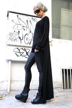 Negro blusa Top / largo asimétrico mangas largas túnica por Aakasha