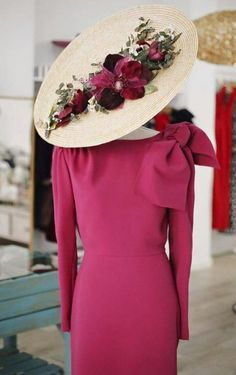 Races Fashion, Party Fashion, Mode Bcbg, Race Wear, Fascinator Hats, Fascinators, Fancy Hats, Hats For Women, Party Wear