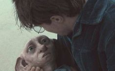 The Saddest 'Harry Potter' Deaths Ever Harry Potter Death, Dobby Harry Potter, Harry Potter Books, Harry Potter World, Deathly Hallows Part 1, Fire Movie, Harry Potter Aesthetic, What Is Like, Hogwarts