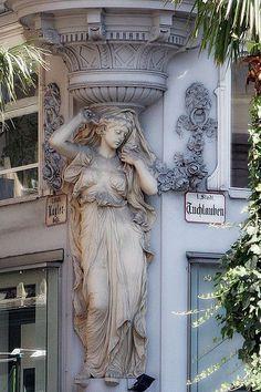It's a beautiful world — Street architecture in Wien, Austria (by. Detail Architecture, Art Nouveau Architecture, Beautiful Architecture, Beautiful Buildings, Art And Architecture, Modern Buildings, Steinmetz, Louvre Paris, Architectural Elements