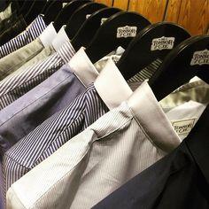#fashionmen 4 sem      tonsor_cie#dustyleetdesbonnesmanieres avec les chemises #tonsor_cie . #men #menstyle #style #conceptstore #shirt #barbershop #popeline #fashionmen #ruebouquières #lifestyle #tonsor #tonsorcie
