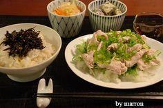 白味噌料理、第二作目です。 (簡単過ぎて、料理と言ってはいけない気がしないでもないのですが-_-;) 関東では白味噌はあまり使わない調味料なのかな...