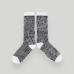 Tennis Anyone Skate Face SockClassic sport sockRibbed top, Woven bottom.Post Skate Face all over patternWhite toe, heel and top.Made in The…