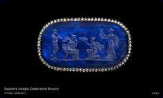 Sapphire Intaglio Broche Celebration
