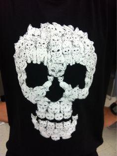oh. em. gee!!!! skull kitten. i need this!