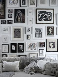 Gallery walls instantly update boring white paint and blank space. #easy #craft