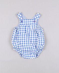 Ranita de cuadros con bolsos traseros http://www.quiquilo.es/catalogo-ropa-segunda-mano/ranita-de-cuadros-con-bolsos-traseros-en-color-azul-marca-zara.html