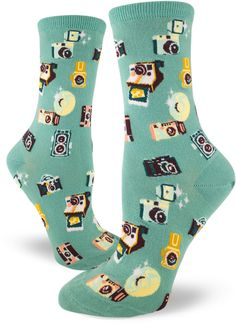 Say Cheese Womens Crew Socks 2019 Be prepared for endless photo ops in these Say Cheese Camera Crew Socks for Women that feature adorable vintage cameras! The post Say Cheese Womens Crew Socks 2019 appeared first on Socks Diy. Funky Socks, Crazy Socks, Cute Socks, Awesome Socks, Fishnet Socks, Novelty Socks, Look Vintage, Happy Socks, Fashion Clothes