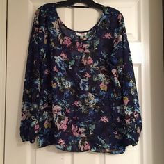 Charming Charlie Floral Top Beautiful print. Only worn once. Charming Charlie Tops Blouses