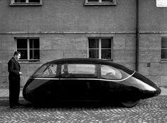 Weird ovoid car