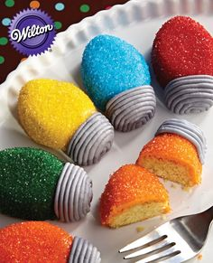 Create these Holiday Lights Mini Cakes with Wilton's Light Bulb Bite Sized Treat Mold.