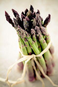 Come cucinare gli asparagi alla fiorentina in meno di 30 minuti