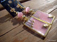 Pearl Pink Bird in a Frame Spring Collection Earrings for Glam Gift for Women by KLKEndeavors on Etsy Yellow Cat, Pink Bird, Butterfly Necklace, Earring Backs, Spring Collection, Gifts For Women, To My Daughter, My Etsy Shop, Pearls