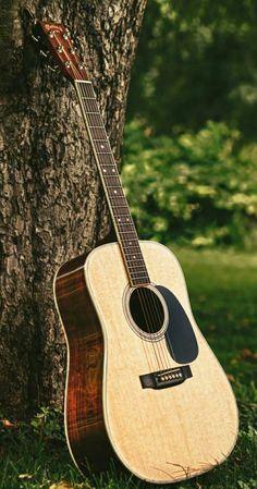 Martin D35 Lefty Guitars, Prs Guitar, Music Guitar, Acoustic Guitar Photography, Violin Photography, Ukulele, Guitar Chords, Martin Acoustic Guitar, Acoustic Guitars