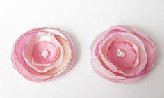 Schuhclip 2 Organza-Blüten in pink-rosa-weiß von soschoen auf DaWanda.com