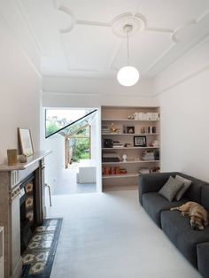 Side return extension ideas from the most inspiring architects on Design for Me. Find out about costs and shortlist architects for your own extension. House Design, Relaxation Room, House, Kitchen Design Trends, Home, Victorian Homes, Victorian Terrace House, Kitchen Extension Side Return, Living Spaces