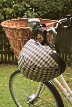 Hipster Helmet. Beg Bicycles | vintage & classic dutch bicycles and accessories.