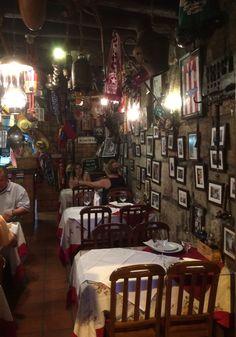 Interior del Restaurante Chez Lapin comer en Oporto                                                                                                                                                     Más