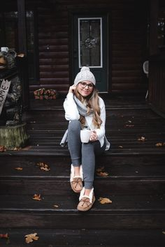 Cozy Weekend at the Cabin (The Teacher Diva) Winter Fashion Outfits, Fall Winter Outfits, Autumn Winter Fashion, Stylish Outfits, Fashion Clothes, Clothes Women, Winter Ootd, Cozy Outfits, Loungewear Outfits