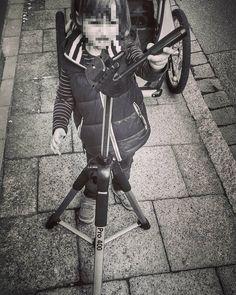 Nachwuchsförderung  #fotografie #stativ #kind