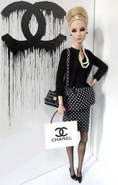 Black & White Barbie Chanel. @tp