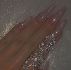 Hairstyles and Beauty: The Internet`s best hairstyles, fashion and makeup pics are here. Boujee Aesthetic, Angel Aesthetic, Aesthetic Pictures, Photowall Ideas, Princess Aesthetic, Fancy, Nail Inspo, Cute Nails, Acrylic Nails