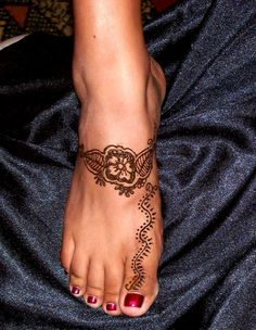 ankle and foot tattoos | Special Tattoo Ideas, Henna Tattoos For Foot And Ankle Designs ...