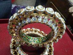 Rajputi.....Bangdi Royal Jewelry, Indian Jewelry, Jewelery, Silver Jewelry, Kundan Bangles, Gold Bangles, Bangle Bracelets, Rajputi Jewellery, Jewelry Design