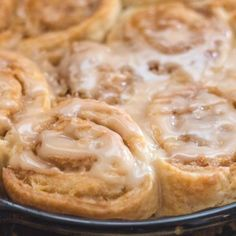 Quick & Easy Cinnamon Rolls with a Maple Glaze Cinnamon Roll Glaze, No Yeast Cinnamon Rolls, Cinnamon Bun Recipe, Cinnamon Roll Monkey Bread, Cinnamon Roll Dough, Cinnamon Roll Casserole, Cinnamon Roll Waffles, Pumpkin Cinnamon Rolls, Cinnamon Recipes
