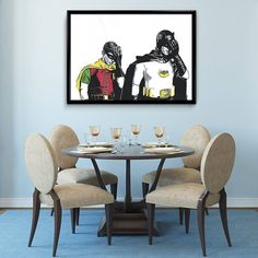 Kjekke Robin og Batman har invitert på middag men har glemt å kjøpe inn drikke.. Doh. #Blåmandag