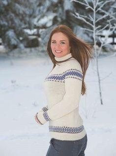 Maria - rundfelt genser med mønsterborder