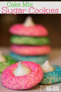 Cake Mix Sugar Cookies ) ) Cake Mix Cookies are just the simplest dessert to make! These springtime cookies are the perfect Easter cookie treats! I just love the colors and I love how everyone just gobbles them up! Cookies Cupcake, Galletas Cookies, Cupcakes, Easter Cookies, Holiday Cookies, Cookies For Kids, Drop Cookies, Chewy Sugar Cookies, Sugar Cookies Recipe