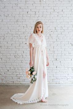 47ce3063907 Jour de mariage satin ROBE de mariée BOUDOIR   robe de mariée pour photo  shoot train