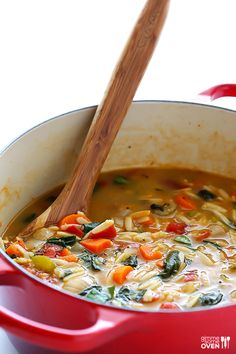 Gimme Some Oven | Italian Orzo Spinach Soup | http://www.gimmesomeoven.com