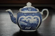 Sadler Tea Pot--I have one just like it.