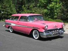 Question: When is a Nomad not a Nomad? Answer: When it's a Pontiac Safari! Pontiac made these badass 2 door hardtop wagons in and 1957 Rare to see today, but BEEE-YOU-TE-FULL! Buick, General Motors, Muscle Cars, Vintage Cars, Antique Cars, Station Wagon Cars, Automobile, 1950s Car, Pink Truck