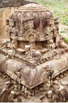 Kalugumalai Kailasa Temple Ellora, Places Around The World, Around The Worlds, Ajanta Caves, Ancient Indian Art, Hampi, Indian Architecture, Hindu Temple, Environment Design