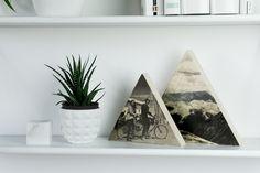 Du suchst ein persönliches Geschenk für deine Liebsten? Das dreieckige Bild aus Holz, ganz einfach mit Foto auf Holz DIY selbstgemacht, passt immer!