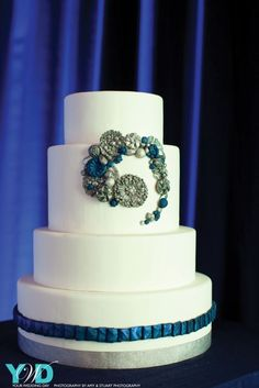 Blue and silver bling on this cake