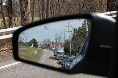 Two different ways to adjust your vehicle's side-view mirrors.