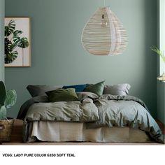 Design ideas for a sage green bedroom - Joli Place Sage Green Bedroom, Green Rooms, Burgundy Bedroom, French Country Bedrooms, Design Room, Design Design, New Home Designs, Bedroom Vintage, Interior Design Living Room