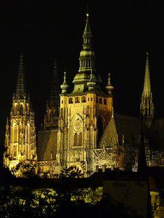 https://flic.kr/p/8V5Vv2 | Prague Castle at Night