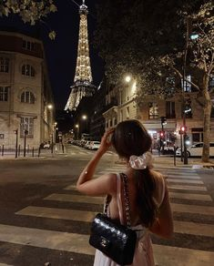 Paris at Night Classy Aesthetic, City Aesthetic, Travel Aesthetic, Beige Aesthetic, Aesthetic Style, Workout Aesthetic, Foto Pose, Rich Girl, Dream Vacations