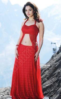 Tamanna Priyanka Chopra Hot, Cinema Actress, South Actress, Telugu Cinema, Half Saree, Beautiful Saree, Indian Beauty, Tammana Bhatia, Bollywood