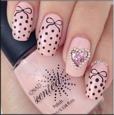 Friendly Nail Art Community with Nail Art Picture and Video Tutorials. Make your nails look awesome and share your nail art designs! Get Nails, Fancy Nails, Pink Nails, Hair And Nails, Fabulous Nails, Gorgeous Nails, Pretty Nails, Valentine Nail Art, Manicure E Pedicure