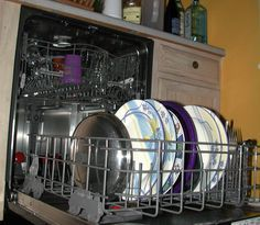 How to Clean and Maintain a Dishwasher