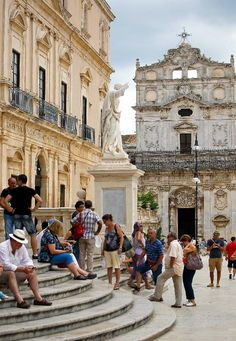 Ancient towns of Sicily | Travellers tour old town of Syracuse in Sicily, Italy - China.org.cn